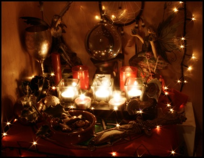 Yule_Altar_by_ReanDeanna